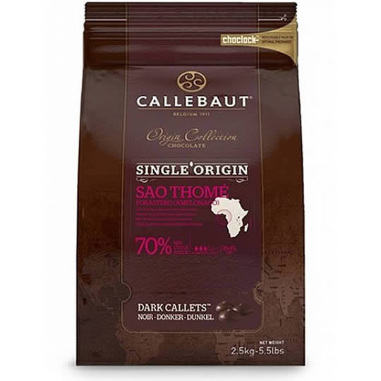 Callebaut Origin Collection Sao Thome 70% Cocoa Dark Chocolate Callets 2.5kg, 70% dark chocolate chips in a resealable bag.