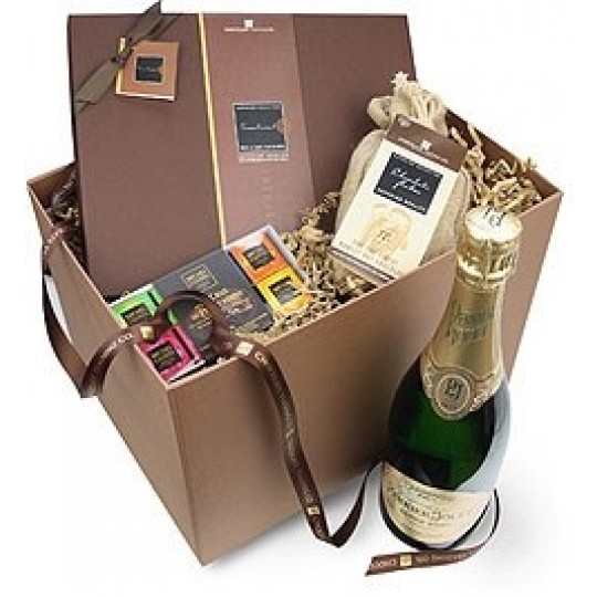 Chocolate Trading Co. Champagne & Chocolate Hamper